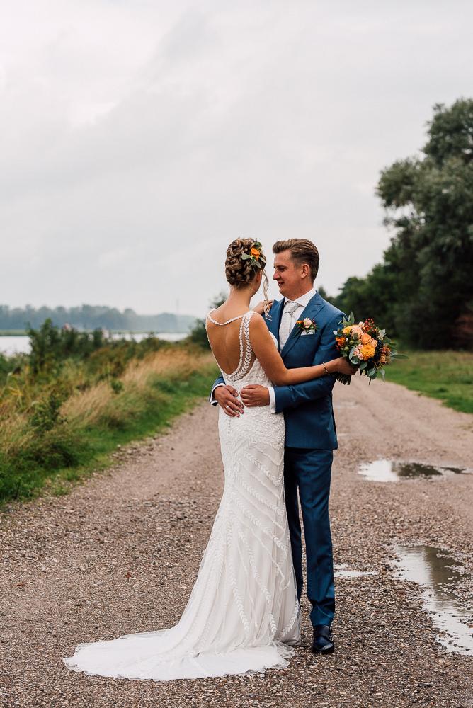 Dayofmylife-trouwen-bruidsfotograaf-trouwfotograaf-Elburg-fotoshoot elburg-trouwen boerenschuur-vierhouten013