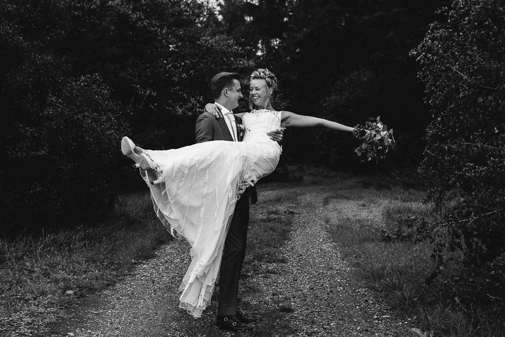 Dayofmylife-trouwen-bruidsfotograaf-trouwfotograaf-Elburg-fotoshoot elburg-trouwen boerenschuur-vierhouten022