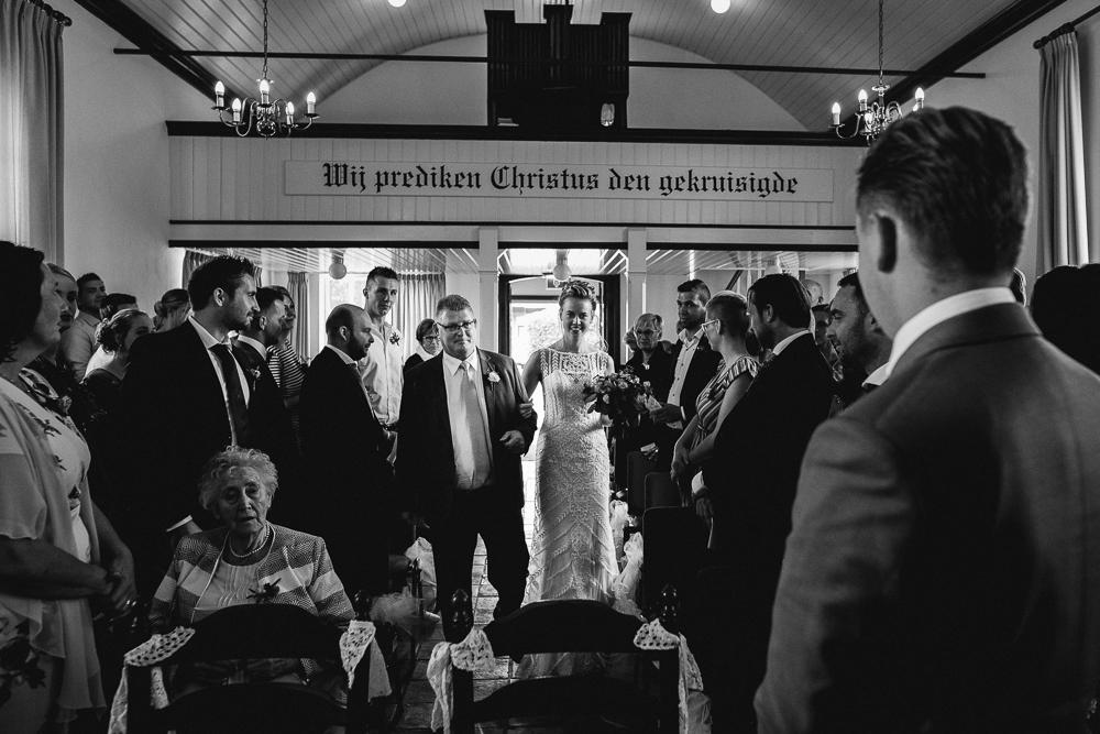 Dayofmylife-trouwen-bruidsfotograaf-trouwfotograaf-Elburg-fotoshoot elburg-trouwen boerenschuur-vierhouten048