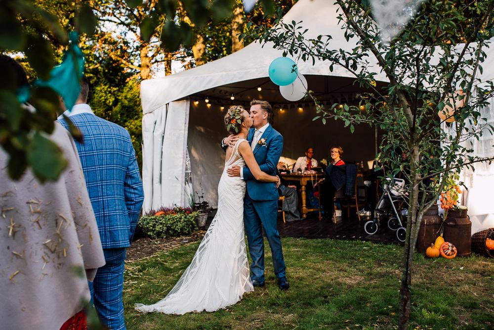 Dayofmylife-trouwen-bruidsfotograaf-trouwfotograaf-Elburg-fotoshoot elburg-trouwen boerenschuur-vierhouten074