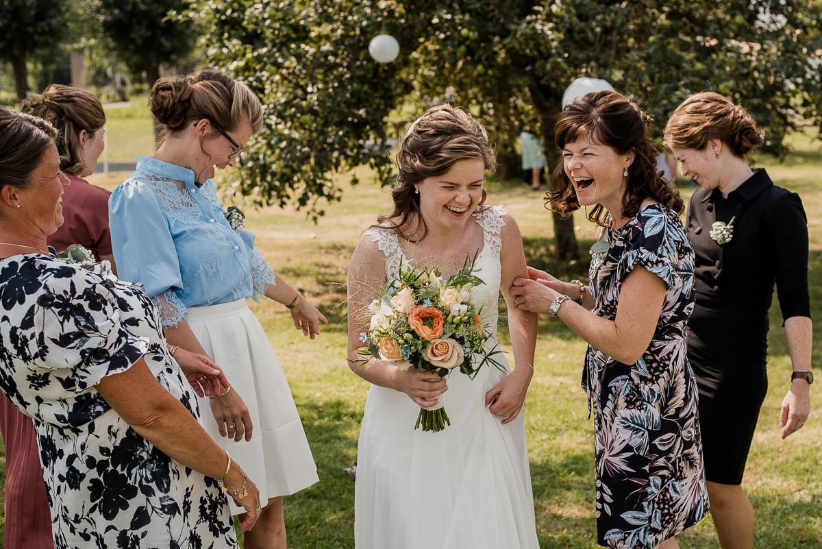 Dayofmylife-trouwfotograaf-nunspeet-bruiloft–35