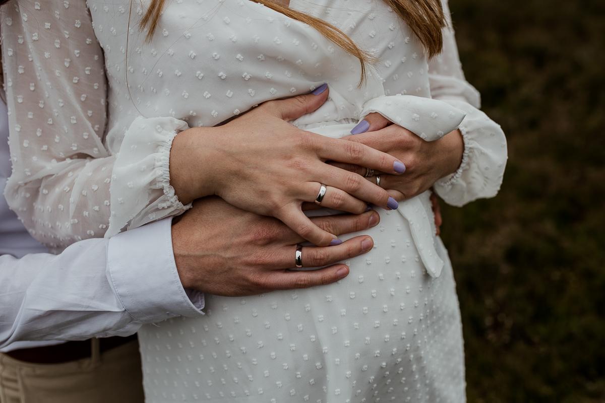 Loveshoot Heerde, fotoshoot Heerde, fotograaf, bruidsfotografie, dayofmylife, zwangerschapsshoot, schaapskooi, dellen-13