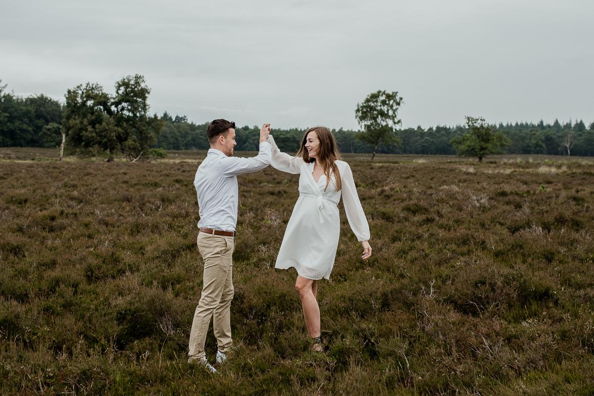 Loveshoot Heerde, fotoshoot Heerde, fotograaf, bruidsfotografie, dayofmylife, zwangerschapsshoot, schaapskooi, dellen-2