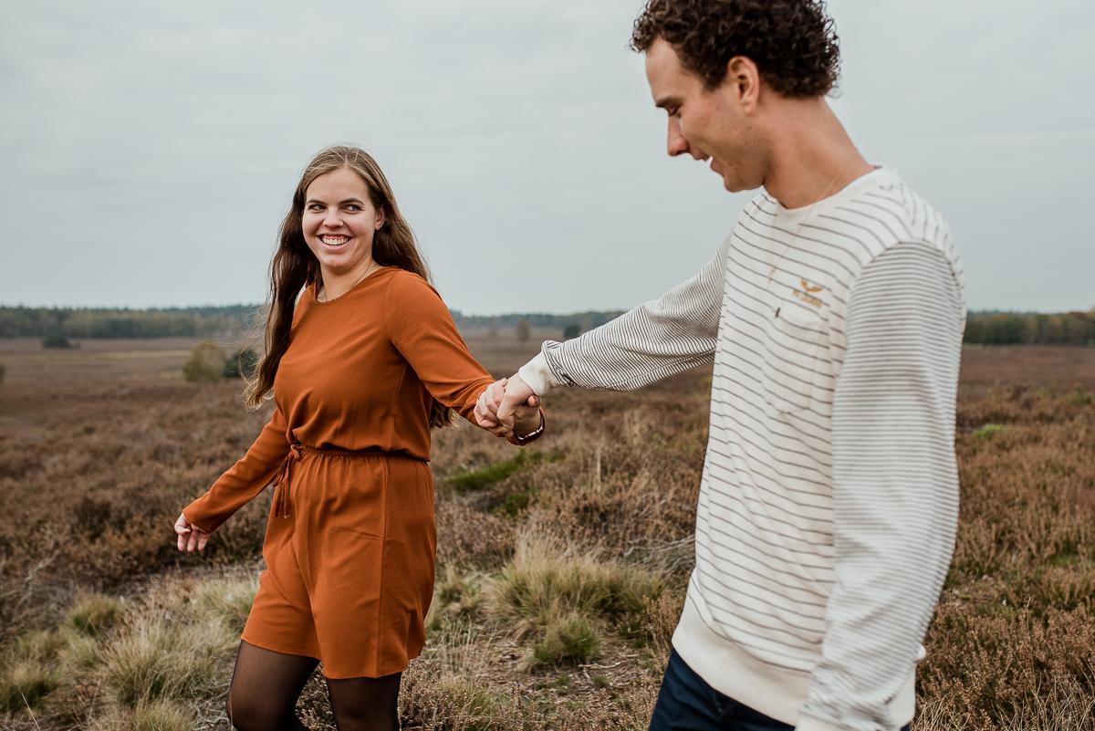 Loveshoot in de Herfst, Dayofmylife, Heerde, Loveshoot, Verloofd, Fotoshoot, Loveshoot Schaapskooi-11